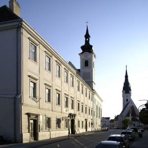 Old grammar school, St. Anthony's church 2008