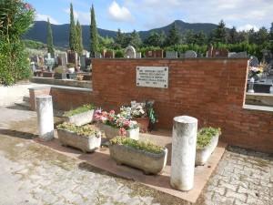 Ossuary Calci cemetery, 2015